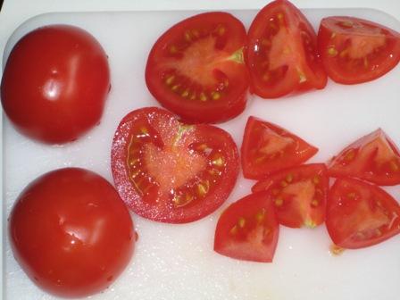tomaten-kleinschneiden.JPG
