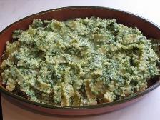 spinat-mit-den-mafaldine-mischen-und-in-eine-auflaufform-geben.JPG