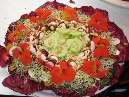 ein-salat-wie-ein-blumenstraus.JPG