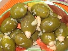 oliven-mit-mandeln.JPG