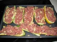 zucchini-halften-mit-hack-fullen.JPG