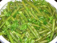 grune-buschbohnen-mit-krauterbutter-und-petersilie.JPG