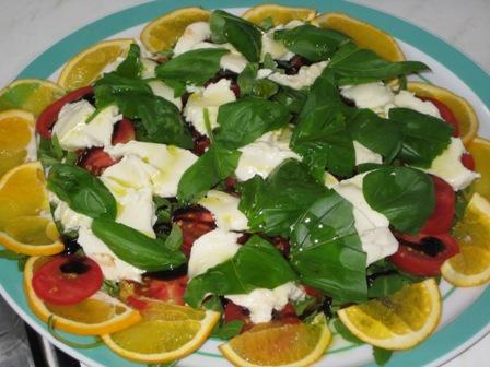 riccola-tomaten-mozzarella-salat-mit-balsamico-cremoso-und-orangen.JPG