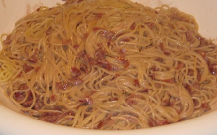 spaghettini-mit-zwiebel-rotwein-marsala-sahne-sose.jpg